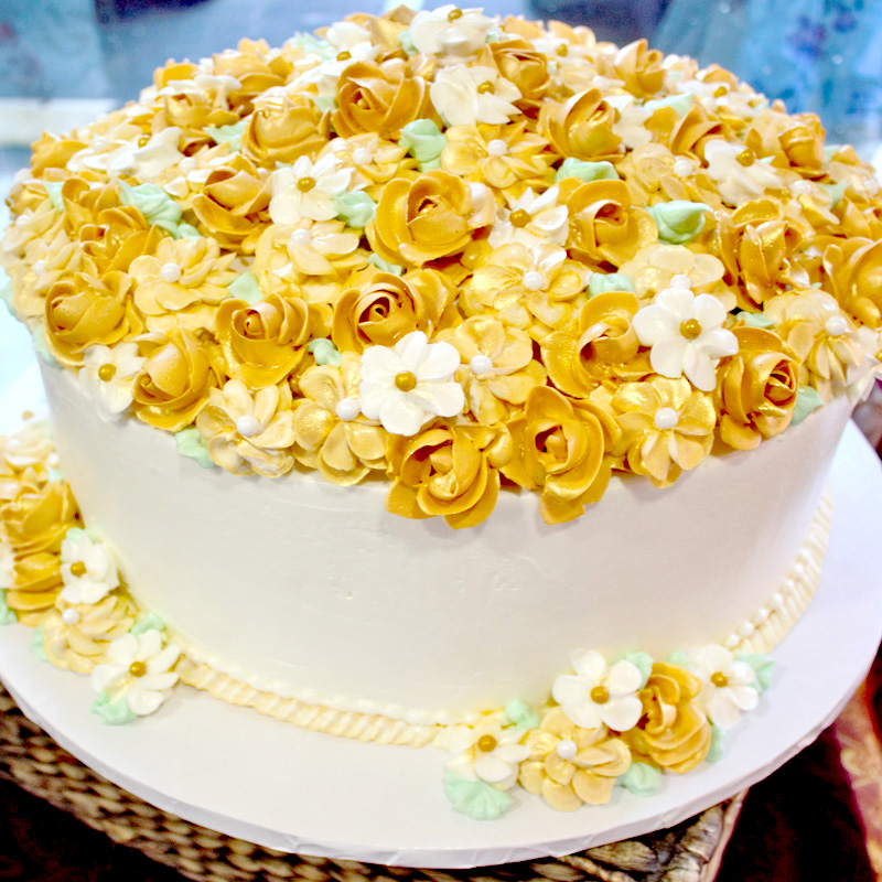 Bed Of Gold Roses Flower Top Cake