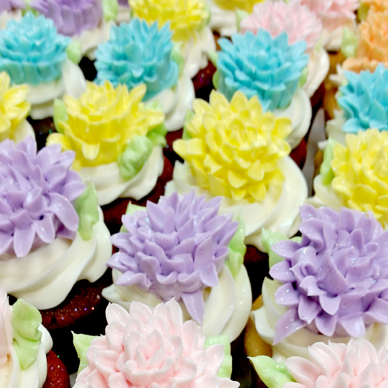 Classic Spiky Flowers Cupcakes